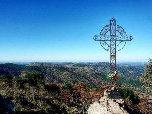 SENDERISMO: Paisajes e historia en torno a la montaña mágica de Tentudía Image