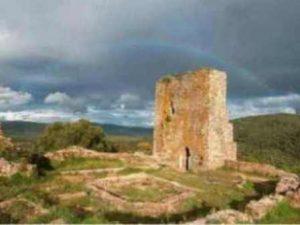 Descubriendo paisajes en busca del Castillo del Cuerno Image