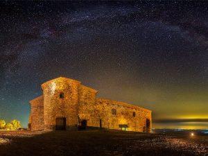 Estrellas, constelaciones y patrimonio en enclaves de leyenda Image